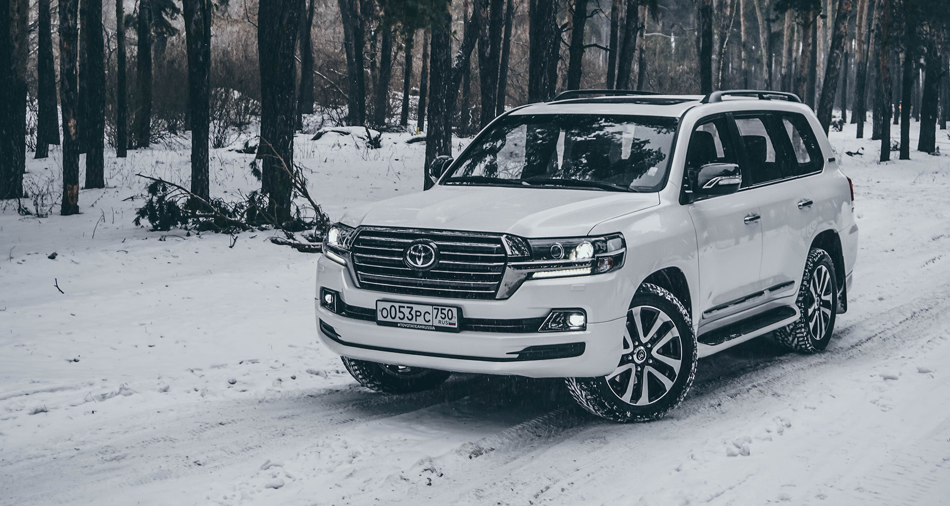 Меч: тест Toyota Land Cruiser 200 Excalibur